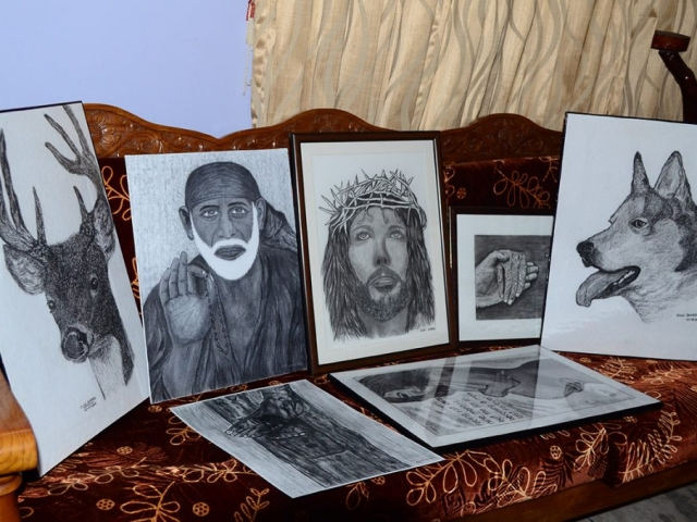 ClodiSuares_Charcoal_drawings